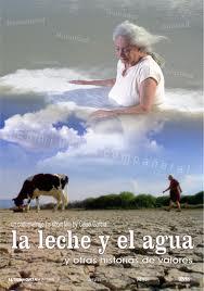 Atado en corto: 'La leche y el agua', de Celso García. 'El amor y una vaca'