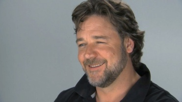 20101214-russell-crowe-640x360